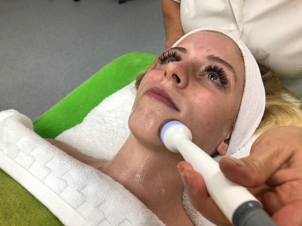 Ultraschall im Gesicht